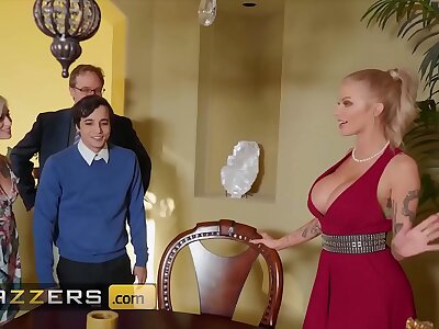 Busty tow-haired (Joslyn James) joins hot triune nearly (Kiara Cole) - Brazzers
