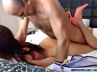 Woman vs old defy in the air webcamshow pt-1 - itubecamgirls.com